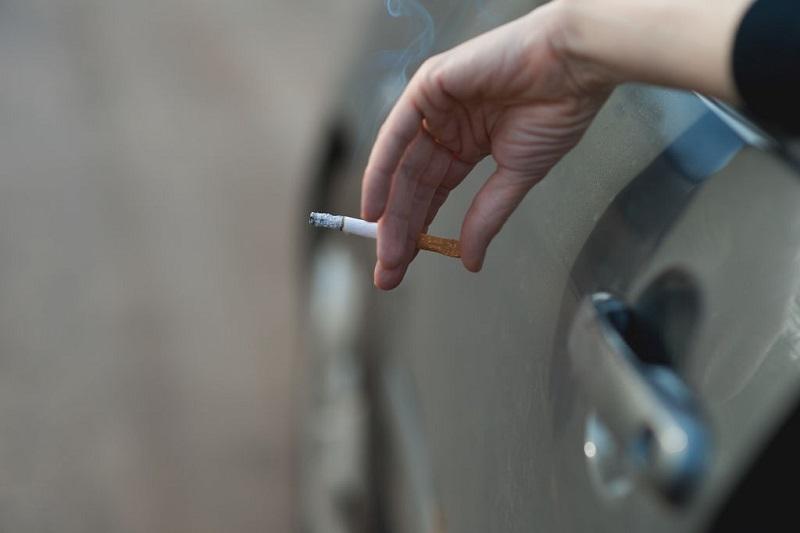 سیگار کشیدن راننده