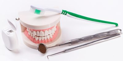 کلینیک دندانپزشکی حکیم نظامی